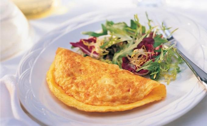 Come cucinare una frittata semplice - Cucinare le uova ...